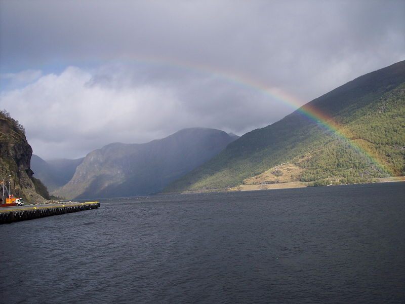 800px-Norway-_Fjord_on_a_rainy_day.jpg